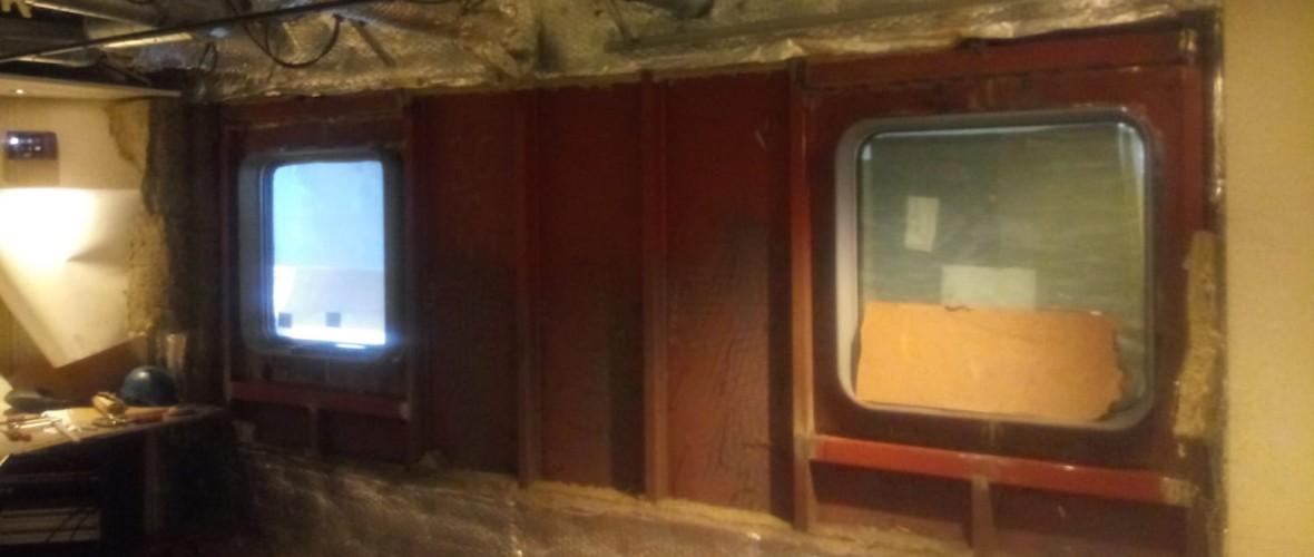 Plaatsing-ramen-offline-room-Olympic-Delta-5-projecten-maritiem-repair-bv.JPG