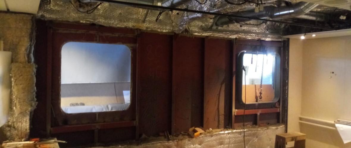 Plaatsing-ramen-offline-room-Olympic-Delta-8-projecten-maritiem-repair-bv.JPG